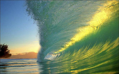 awesome_waves_08.jpg